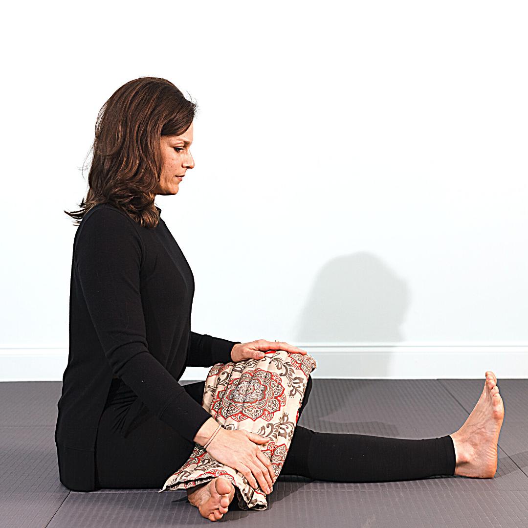 Gomukasana leg extension