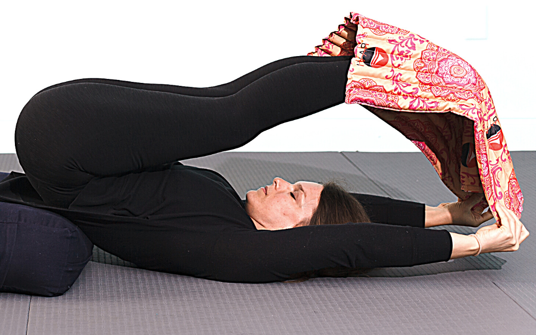RAVI Legs Up Flow to stretch and strengthen